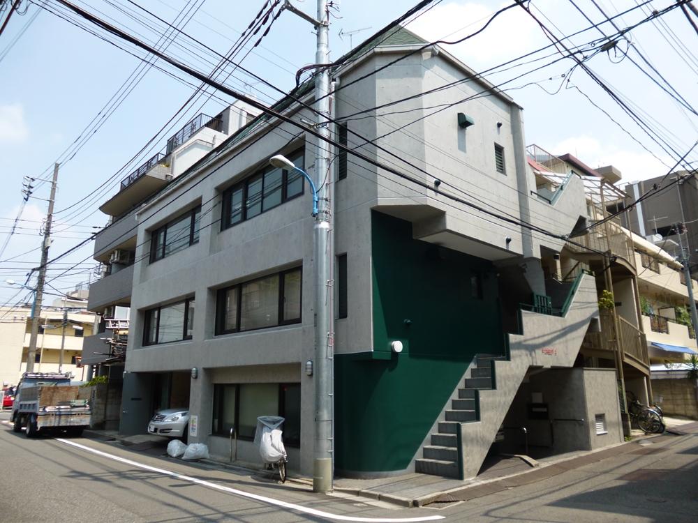 新宿区 協伸建設様事務所ビル 美装工事のサムネイル画像1