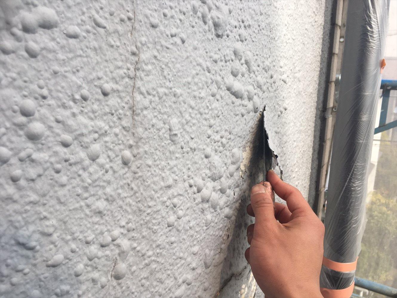 徹底した下地処理で、強固な外壁塗装を!